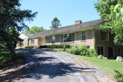 Barrington Hills Single Family Home For Sale: 36 Sandlewood Lane