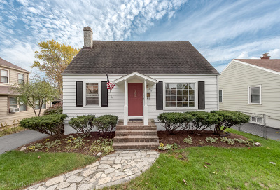 Downers Grove Single Family Home For Sale: 603 Prairie Avenue