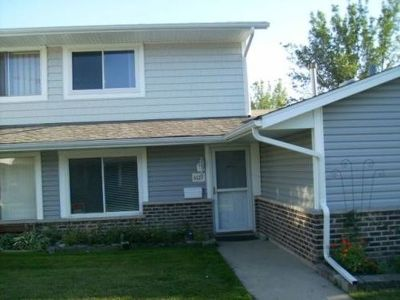 Hanover Park Condo/Townhouse Contingent: 6127 Kit Carson Drive #6127