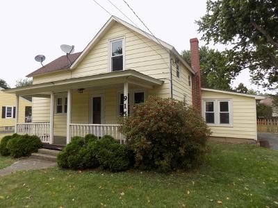 Marengo Single Family Home For Sale: 915 Hale Street