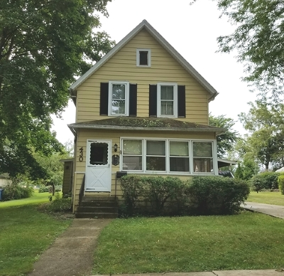 West Dundee Single Family Home Contingent: 430 South 3rd Street