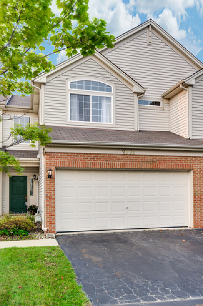 South Elgin Condo/Townhouse Contingent: 277 Nicole Drive #C