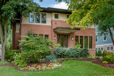 Glen Ellyn Single Family Home For Sale: 720 Meredith Place