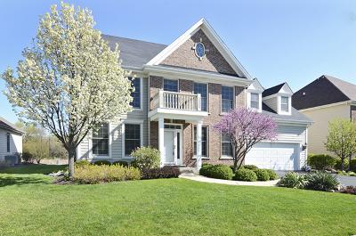 Woodridge Single Family Home For Sale: 2628 East Walnut Court