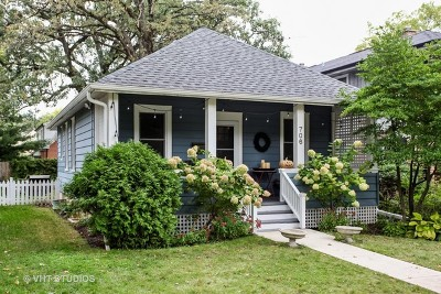 Lake Forest Single Family Home For Sale: 706 Woodlawn Avenue