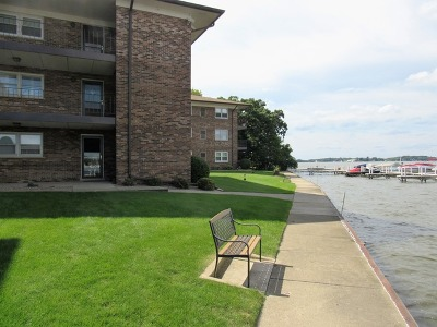Fox Lake Condo/Townhouse For Sale: 24 North Pistakee Lake Road #1D