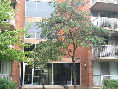 Lombard Condo/Townhouse Contingent: 2211 South Stewart Avenue #3C