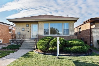 Evergreen Park Single Family Home For Sale: 2749 West 93rd Place