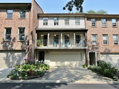 Batavia Condo/Townhouse Contingent: 247 Stone Manor Circle