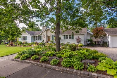 Glen Ellyn Single Family Home Contingent: 825 Duane Street