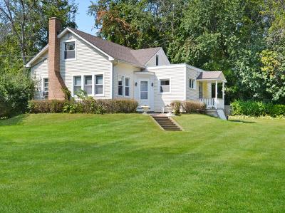 Johnsburg Single Family Home Contingent: 3603 Long Avenue