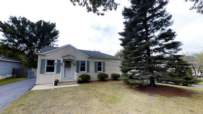 Willowbrook Single Family Home For Sale: 224 Highland Road