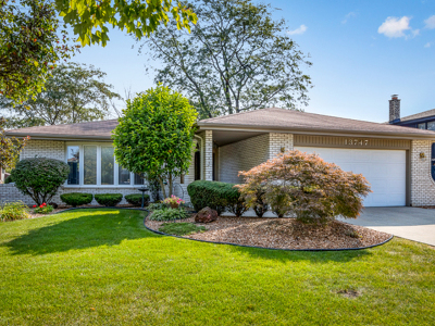 Orland Park Single Family Home Contingent: 13747 Tamarack Lane