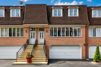 Skokie Condo/Townhouse For Sale: 5339 Fairview Lane