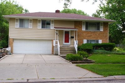 Schaumburg Single Family Home For Sale: 501 Plymouth Lane