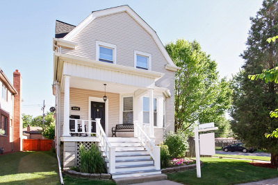Brookfield Single Family Home For Sale: 9526 Congress Park Avenue