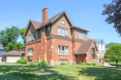 Maywood Single Family Home For Sale: 300 North 2nd Avenue