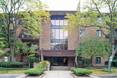 Darien Condo/Townhouse Price Change: 714 Walnut Drive #106