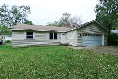 Johnsburg IL Single Family Home Contingent: $177,900