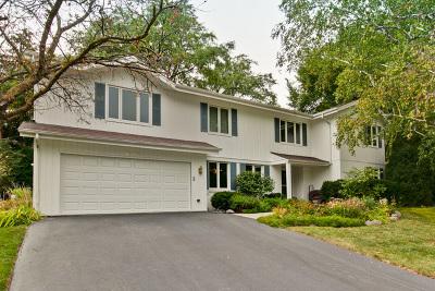 Libertyville Single Family Home For Sale: 643 Ridgewood Lane