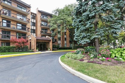 Willowbrook Condo/Townhouse Contingent: 601 Lake Hinsdale Drive #211