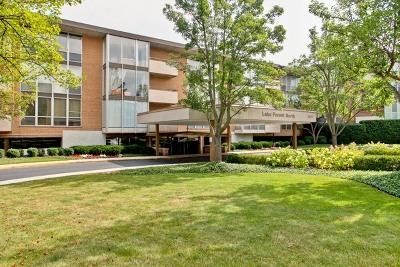 Lake Forest Condo/Townhouse Contingent: 1301 North Western Avenue #337