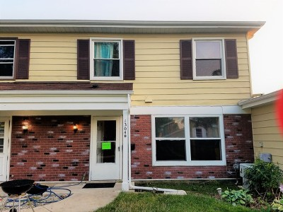 Hanover Park Condo/Townhouse Re-activated: 1304 Kingsbury Drive #D