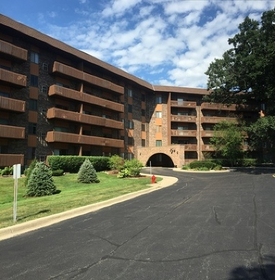 Bloomingdale Condo/Townhouse New: 120 Lakeview Drive #523