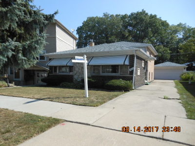 Evergreen Park Single Family Home Contingent: 9211 South Turner Avenue
