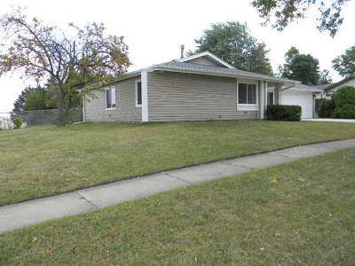 Hanover Park Single Family Home New: 5635 Star Drive