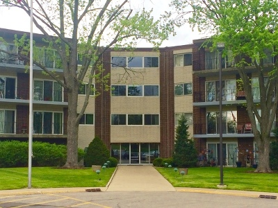 Downers Grove Condo/Townhouse For Sale: 5540 Walnut Avenue #14C