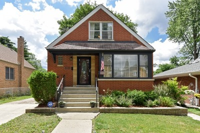 Evergreen Park Single Family Home Contingent: 2825 West 98th Place