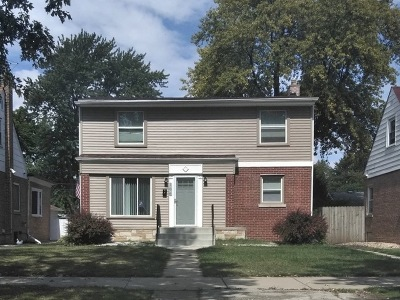 Calumet City  Single Family Home For Sale: 106 167th Street
