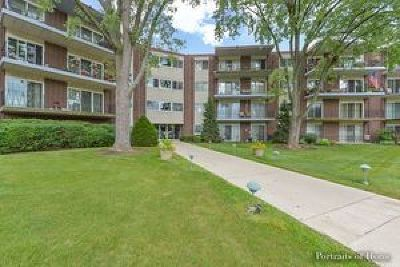 Downers Grove Condo/Townhouse Contingent: 5540 Walnut Avenue #34B