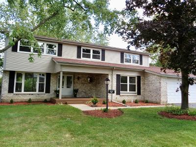 Barrington Single Family Home For Sale: 992 Hampton Park