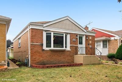 North Riverside Single Family Home Contingent: 2310 Lathrop Avenue