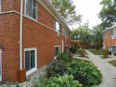 Glen Ellyn Multi Family Home Contingent: 32 North Main Street