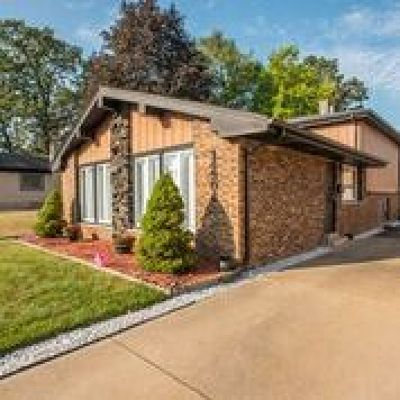 Dolton  Single Family Home Price Change: 14304 Maryland Avenue