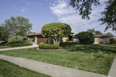 Willowbrook Single Family Home For Sale: 404 79th Street