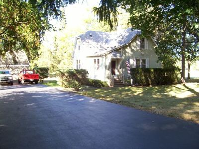 Round Lake Single Family Home For Sale: 414 West Forest Avenue