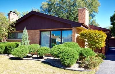 Evergreen Park Single Family Home Contingent: 9209 South Mozart Avenue