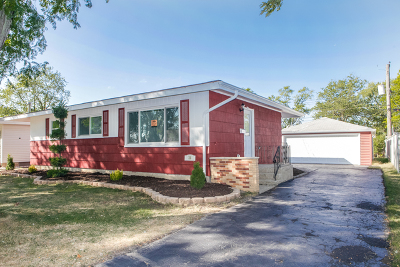 Thornton Single Family Home Contingent: 26 Blackhawk Drive