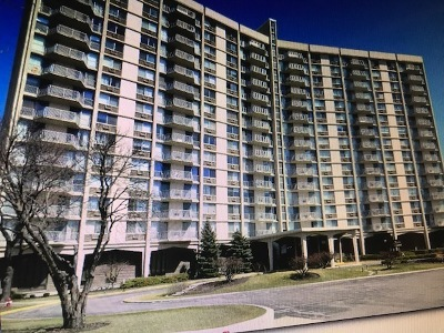 Oak Brook Condo/Townhouse Contingent: 40 North Tower Road #12C