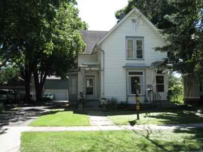 West Dundee IL Rental For Rent: $1,000