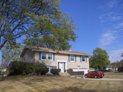 Lombard Single Family Home Contingent: 21w010 Kensington Road