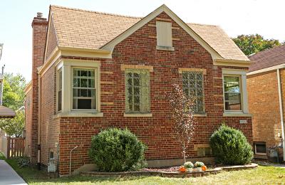 North Riverside Single Family Home Contingent: 2253 Burr Oak Avenue