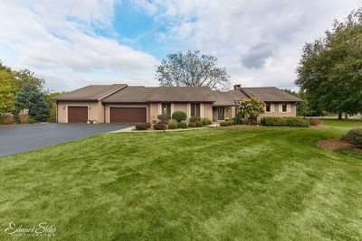 Crystal Lake Single Family Home Contingent: 6118 North Wyndwood Drive