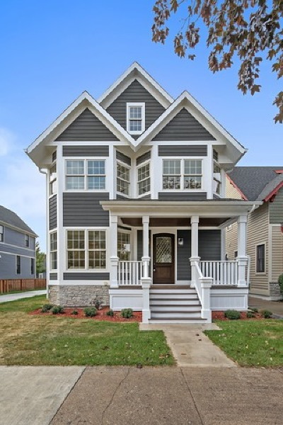 La Grange Single Family Home Contingent: 20 North Spring Avenue