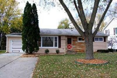 Huntley Single Family Home Price Change: 11119 Lincoln Street