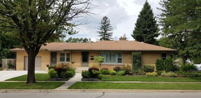 Villa Park Single Family Home For Sale: 340 East Washington Street